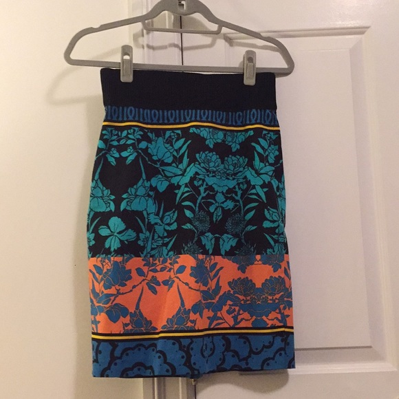 Anthropologie Dresses & Skirts - Anthropologie printed pencil skirt size 0